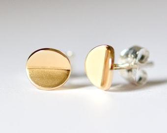 Gold Circle Stud Earrings - Bent Circle Earrings - Minimalist Simple Lightweight Everyday Geometric Jewelry by Hook & Matter - Brooklyn NYC