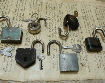 bulk - sale - 6 heavy antique and vintage working padlocks  - 6 old padlocks  (Kg-740g-c)