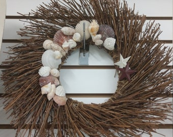 Adorable seashell wreath! Shells collected from the Gulf of Mexico in Florida.