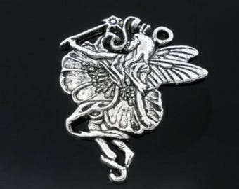 Pendant large fairy and his magic wand in silvery metal aged (x 1)