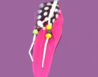 Feather intense fuchsia with beads 8cm pendant
