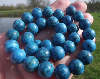 2 LARGE PEARL BLUE 10 MM KUNZITE.