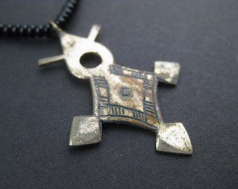 Tuareg Cross Pendant: Jewelry North African Handmade Finding Silver White Metal for Necklace Tribal Nomadic (PND-TRG-101)