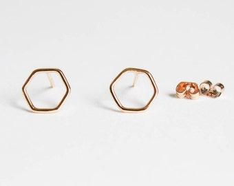 Hexagon outline - stud earrings