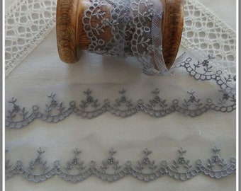 Lace Camellia Pearl gray