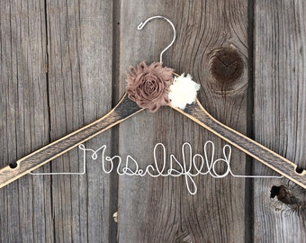 Personalized Wire Wedding Hanger || Distressed Wood || Flowers (2) in your choice of colour