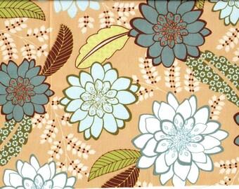 Tissu coton patchwork Larges fleurs stylisées bleues sur fond beige
