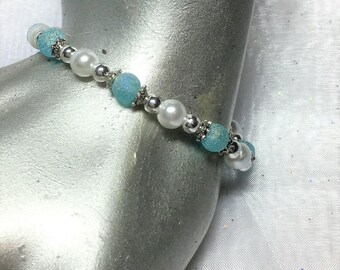 Frosted Turquoise Glass Faux Pearl Stretch Bracelet #399