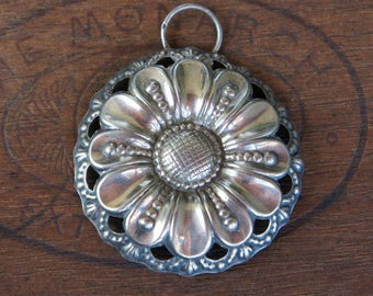 Antique French Solid Silver Margeurite Daisy Buckle Pendant
