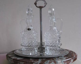 Beautiful Italian oil and vinegar set in lead cristal.