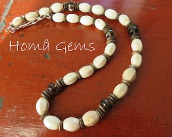 Ethnic necklace, white Turquoise smoky Quartz and natural.