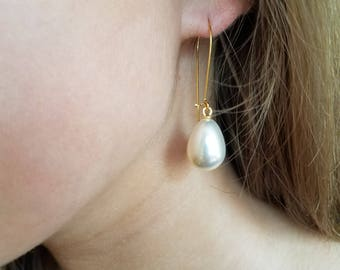 Pearl earrings Pearl teardrop earrings Pearl earrings dangle Pearl drop earrings Bridesmaid earrings Pearl earrings wedding