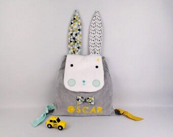 Sac à dos maternelle personnalisé prénom Oscar Lapin vert menthe jaune moutarde gris sac bébé crèche personnalisable  cadeau bébé naissance