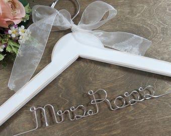 Personalized Hangers - Custom Hangers - Custom Name Hanger - Bride Wedding Hanger - Hanger with Names - Accessories - Wooden Hangers - Gift