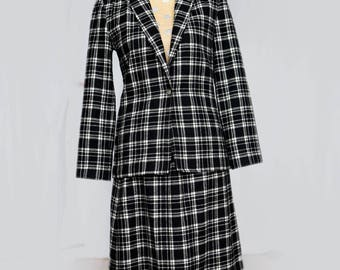 Young Pendleton size 5-6 wool skirt suit -black and white plaid skirt and jacket