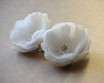 Ivory wedding flower pin Wedding hair pin Wedding headpiece Ivory hair flower Ivory hair pin Ivory headpiece 2 inch hair flower Ivory clips