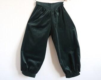 GUNNIES Green Velvet Bloomers, Gunne Sax by Jessica McClintock High Waist Pants, V-Yoke Mid-Length Full Trousers, Petite Junior Small XXS