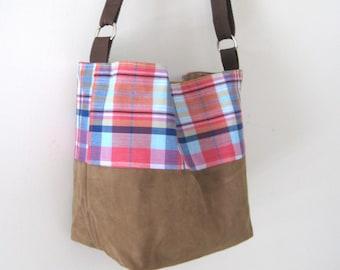 Cross-body hobo bag