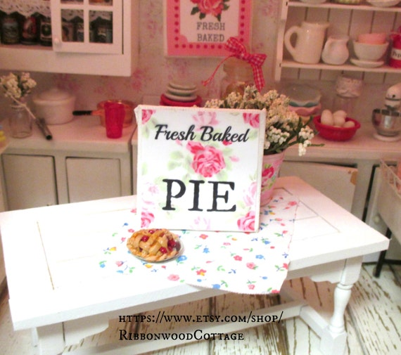 Miniature  Sign & Cherry Pie-Miniature