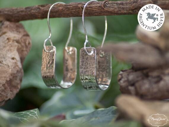 Engraved earrings, custom earrings, pendant earrings, ethical earrings, Argentium 935, made in Italy, handmade jewels, ethical jewelry