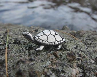 Turtle Lapel Pin- CC618- Fresh Water and Sea Dwelling Turtledove