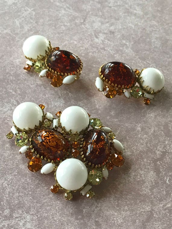 Stunning Brooch and Earring set, Quality Designer Style