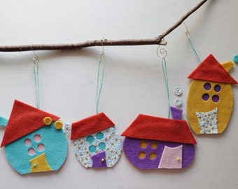 Set of four Felt House ornaments Decoration, Felt Houses for wall hanging, Christmas ornament gift ,Baby room wall art, Holiday decorations