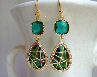 Emerald Green. Emerald Green Earrings. Wrapped Glass Dangle Earrings. Bridesmaid Earrings. Green Wedding. Wedding Earrings