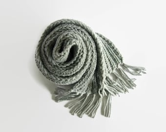 Scarf Knitted in Gray Chunky Wool - Chunky Knit Multi Wrap, Long Neck Warmer, Mens Womens Scarves, Cute, Fringes, Thick Scarf, Hand Knit