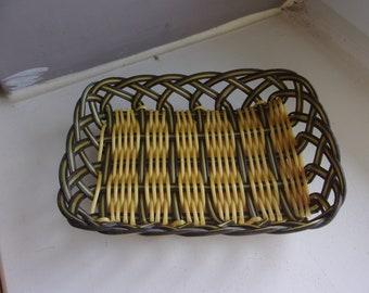 Basket is woven scoubidou