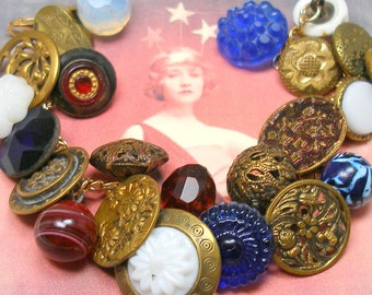 """Patriotic Antique BUTTON gold charm bracelet, Victorian red, white & blue glass, 7.25"""" one-of-a-kind jewellery."""