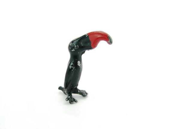 Vintage Miniature Hubley Cast Metal Toucan Figure