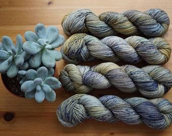 Pebble beach, Merino Singles (100g) Hand dyed  100% merino, single ply yarn.