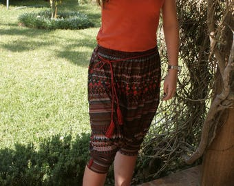 Harem pants cotton, decorated with Akads on knees and a matching Mack.