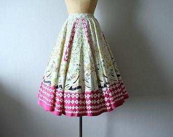 1950s circle skirt . vintage novelty print skirt . 50s skirt