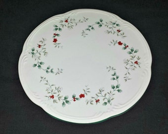 Pfaltzgraff Winterberry Cheese Tray / Pfaltzgraff Porcelain Cheese Tray with Holly Berries / 1991 Christmas Cake Plate