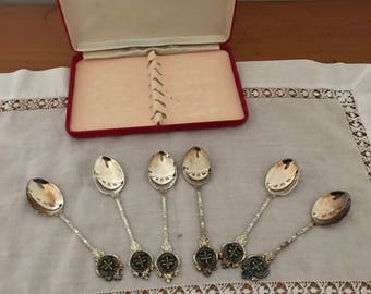 boxed set of silver plated teaspoons