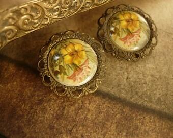 1930's Filigree flower clip on earrings