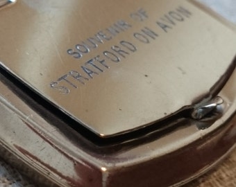 Vintage souvenir of Stratford On Avon Brass snuff box or pill box