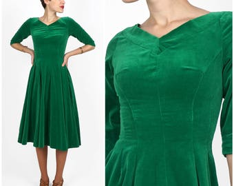 Vintage 1950s Elegant Emerald Green Velvet Party Dress | XS/Small