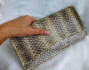 Leather Clutch Purse - Vintage 80s Minimalist Crossbody Handbag- Light Beige Snakeskin Shoulder Purse -Fashion Holiday Clutch