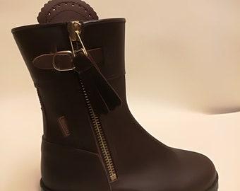 Spanish leather yard boots