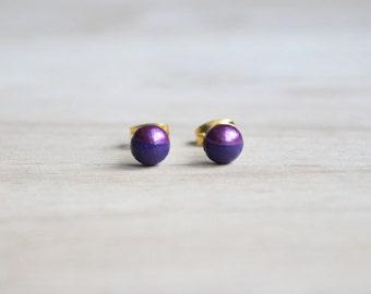 violet dainty wooden stud earrings metallic purple dipped // wood post earring studs - 6 mm // everyday jewelry, eco-friendly