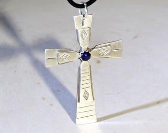 Modern Sterling Silver Cross with Sapphire Gemstone – 925 NL8521