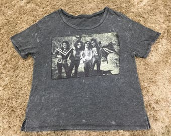 Vintage Look Nice Kiss Band Potrait for Ladies T-Shirt