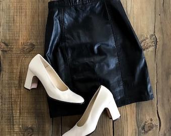 VINTAGE• 1990s Black High Waist Leather Mini Skirt