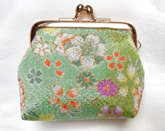 Coin purse in Japanese kimono fabric - GREEN FLOWERS