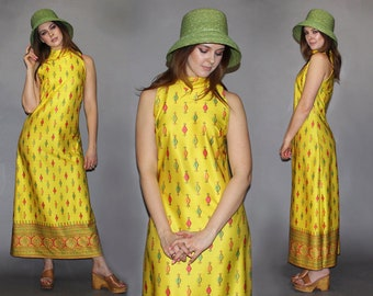 Vintage 70s Sleeveless Maxi Dress / Golden Yellow Goddess / Pineapple Print, Candy Print / Summer Dress / Kitschy, Colorful, Fruit / Sm Med