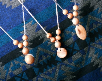 Juniperwood-Simple Nursing Necklace with Pendant -  Babywearing Organic Teething Necklace TOP1234