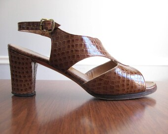 brown heeled sandals - 70s vintage D'Antonio Bullock's embossed faux snakeskin leather heels open toe pumps slingback shoes summer size 8